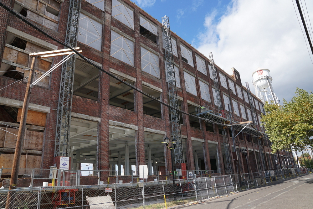 facade_restoration_scaffolding