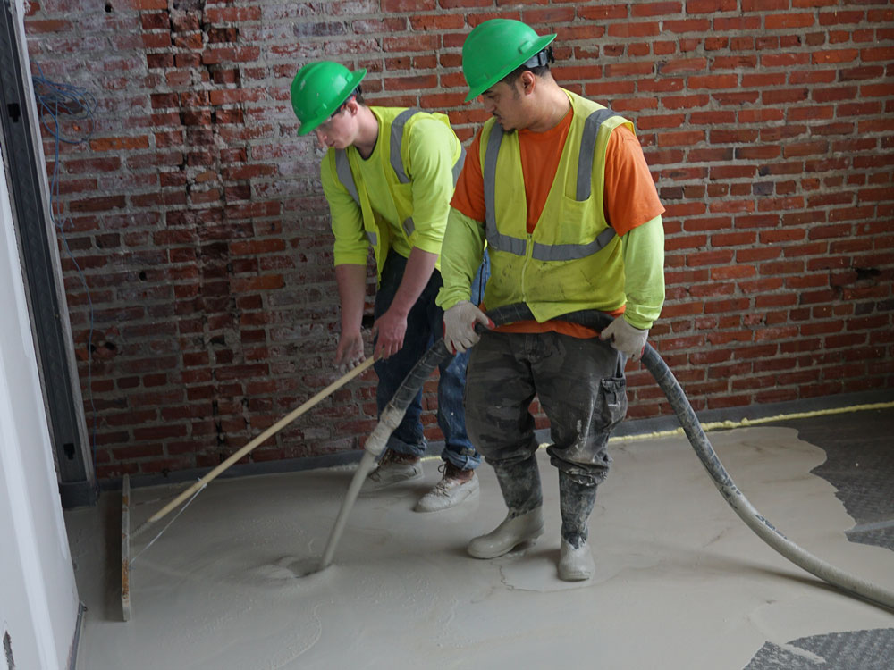 Pouring-Gypcrete-and-Spreading